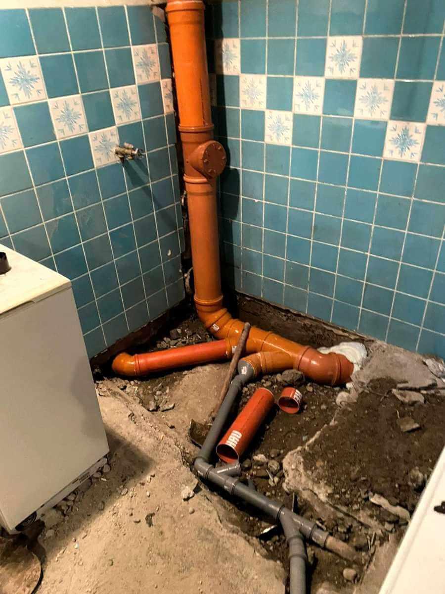 Oprava kanalizačného potrubia v dome
