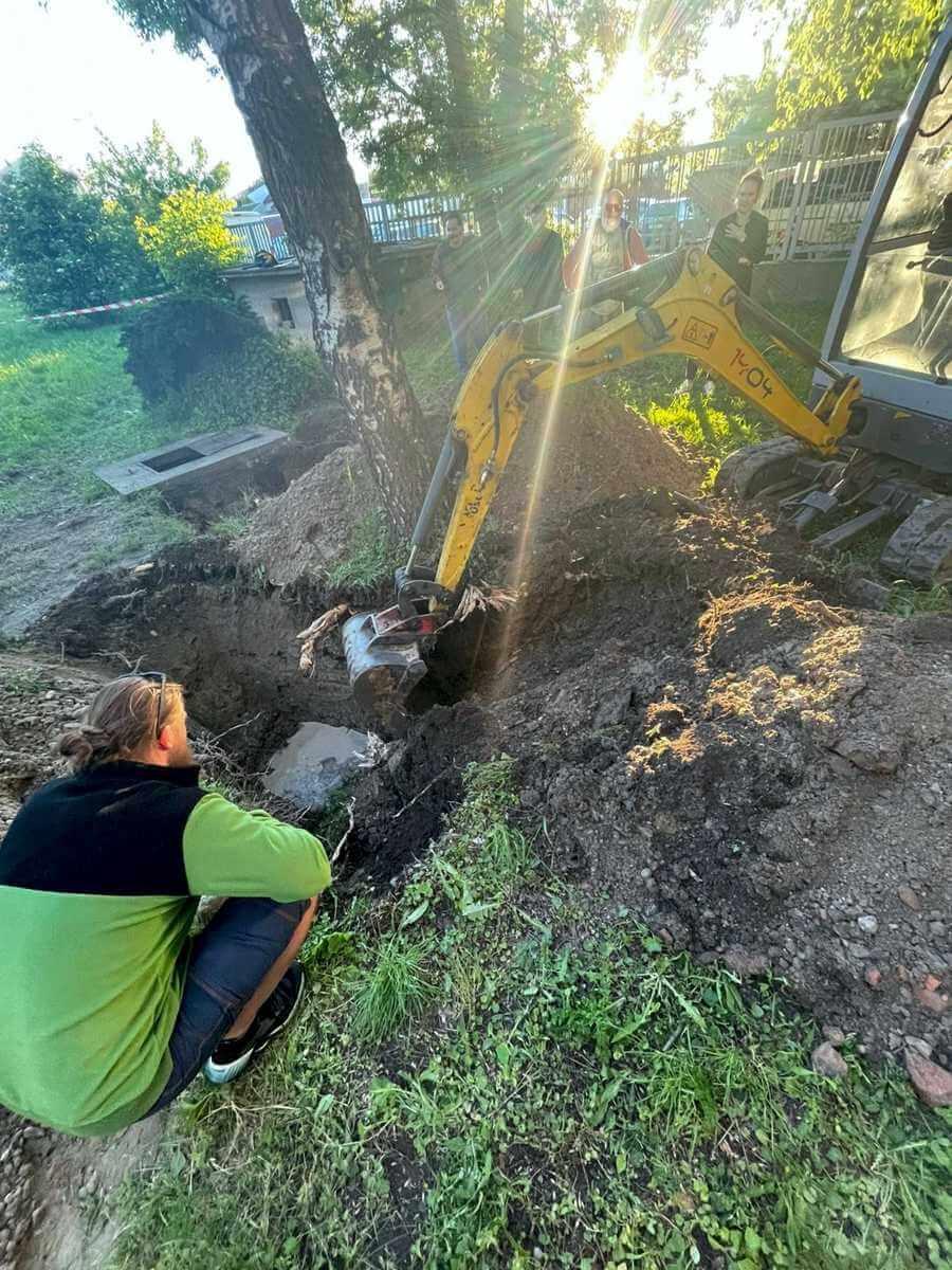 Oprava odpadového potrubia - výkopové práce